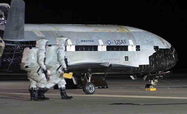X – 37B, revenit acasă după succesul misiunii
